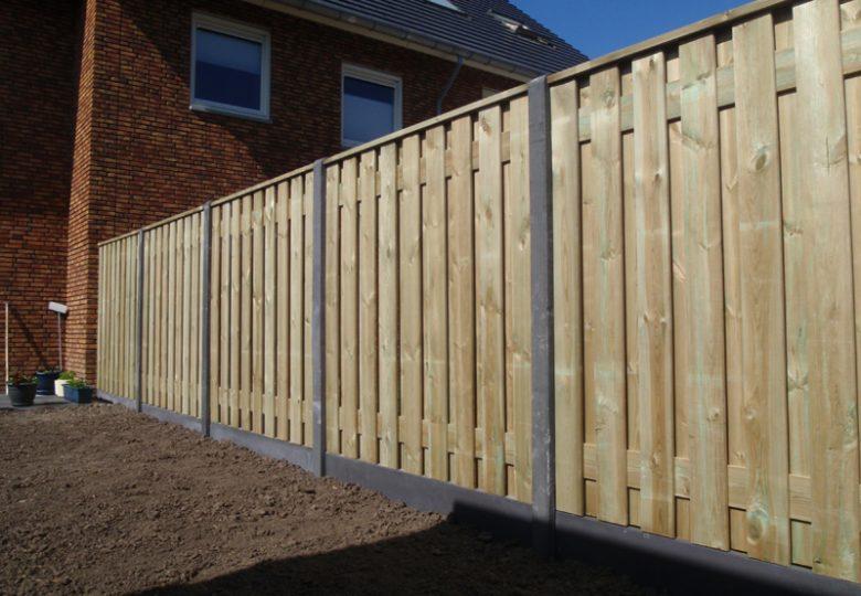Schutting met 19 planks grenen tuinschermen