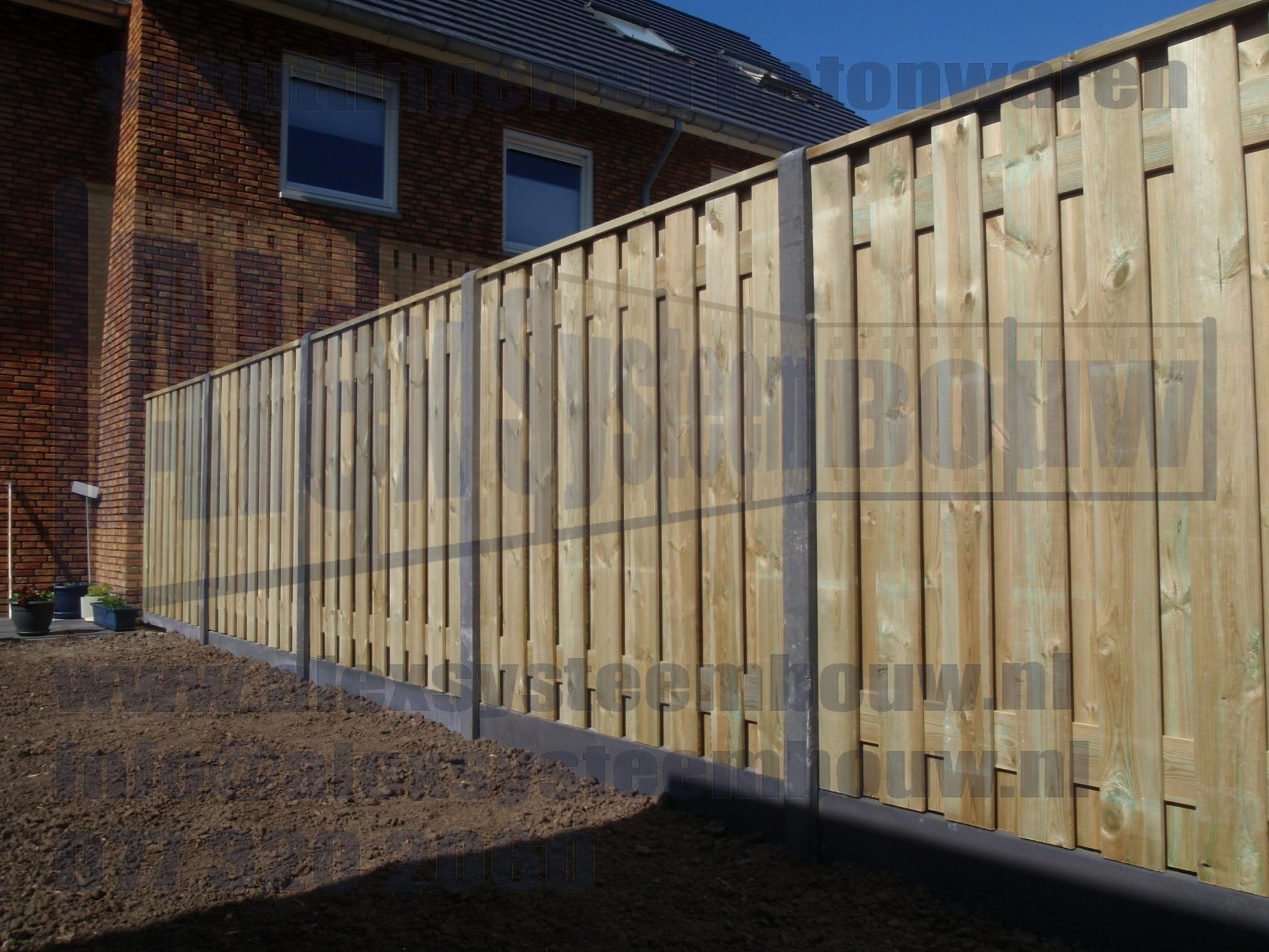 goedkope-schutting-hout-beton-19-planks-tuinschermen