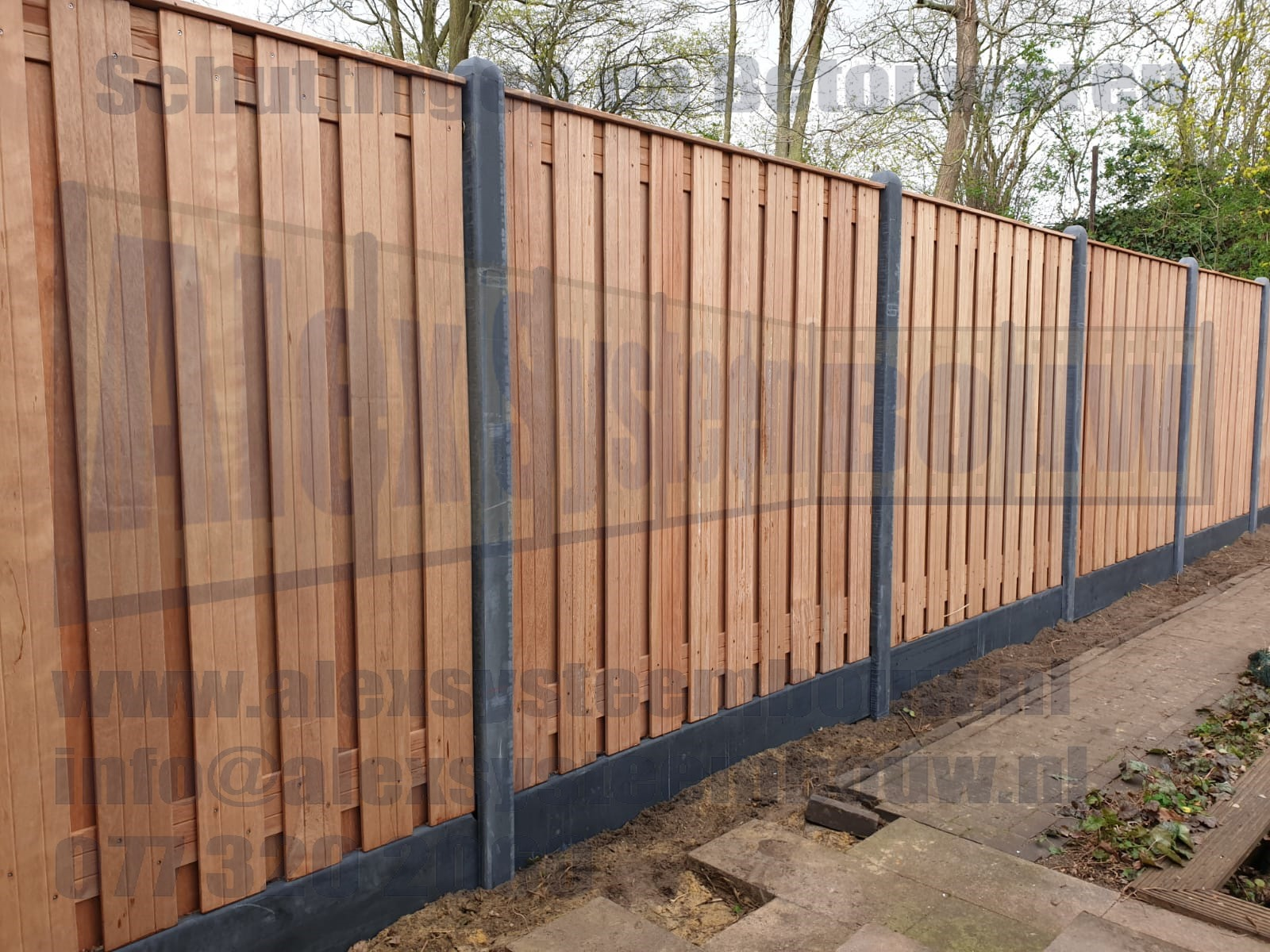 hard-houten-tuinschermen-21-planks-kegelkop