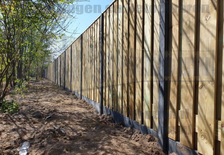 Schutting met 21 planks grenen tuinschermen
