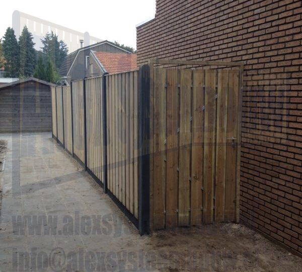 Enkele poort grenen op maat gemaakt 125cm breed, tuinschermen 21 planks
