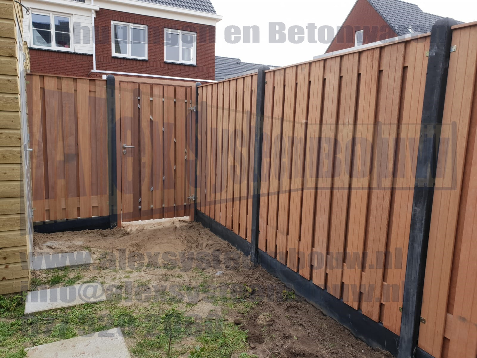 Schutting-hardhout-duurzaam-21-planks-hout-beton