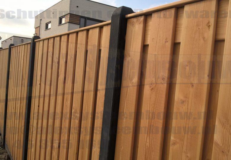 Schutting met 21 planks lariks/douglas tuinschermen