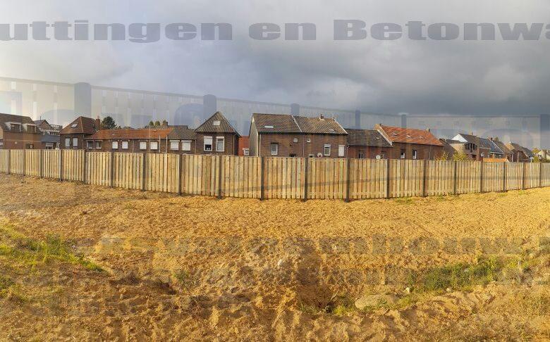 Schutting met 19 planks grenen tuinschermen (ca. 100m lang)