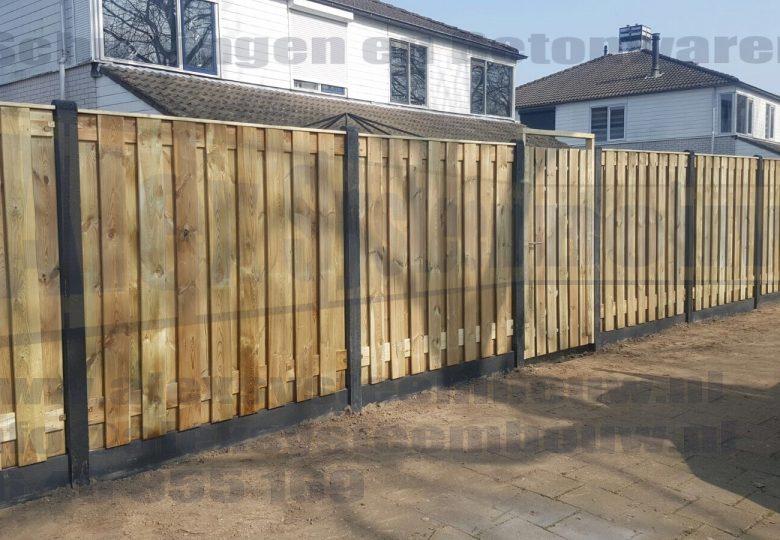Schutting met 19 planks grenen tuinschermen + poort