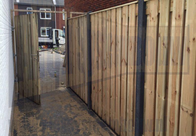 Enkele poort grenen hout op maat gemaakt 98cm breed, tuinschermen 21 planks