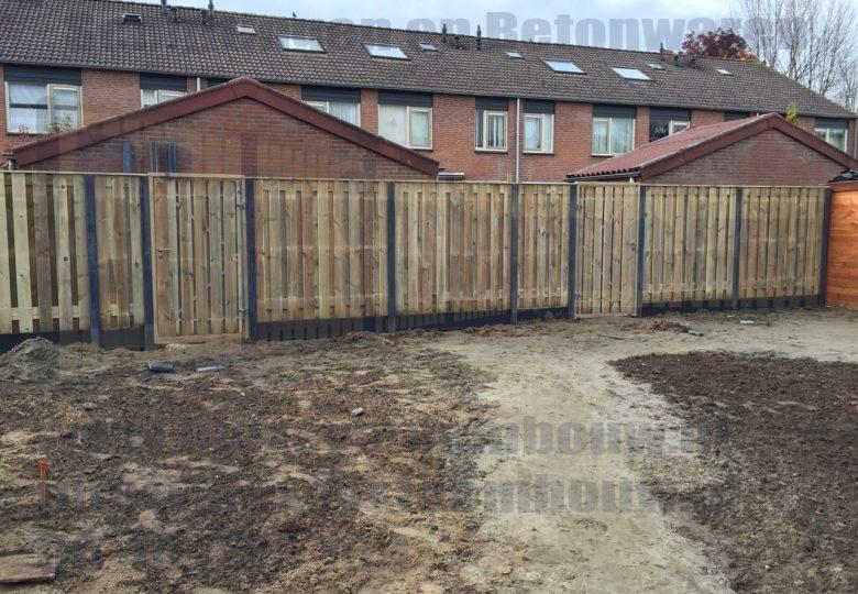2x Enkele poort 100cm breed met grenen hout en 19 planks tuinschermen