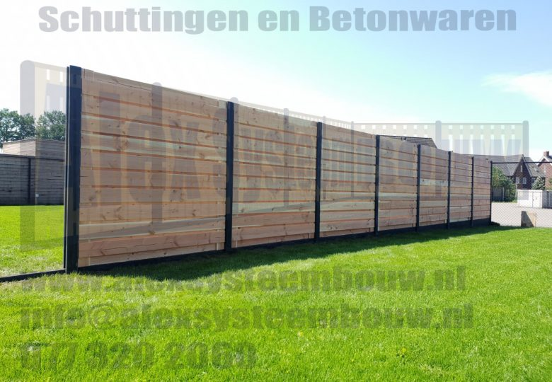 Schutting met 23 planks lariks/douglas tuinschermen horizontaal