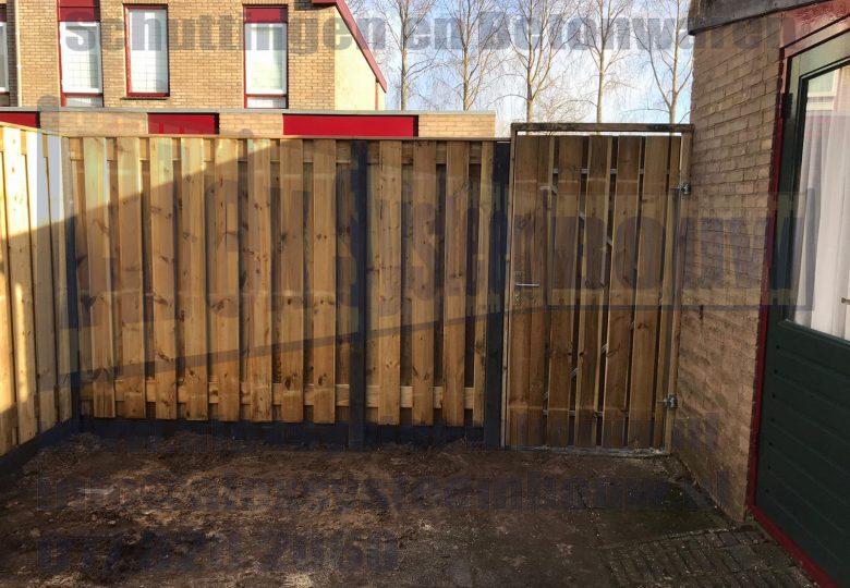 Standaard schutting en poort met 19 planks tuinschermen en poort 100cm breed