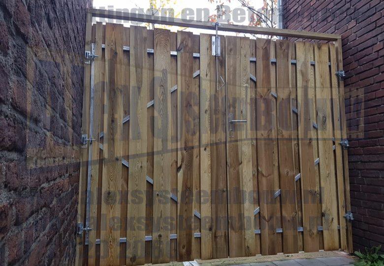 Dubbele poort met grenen hout