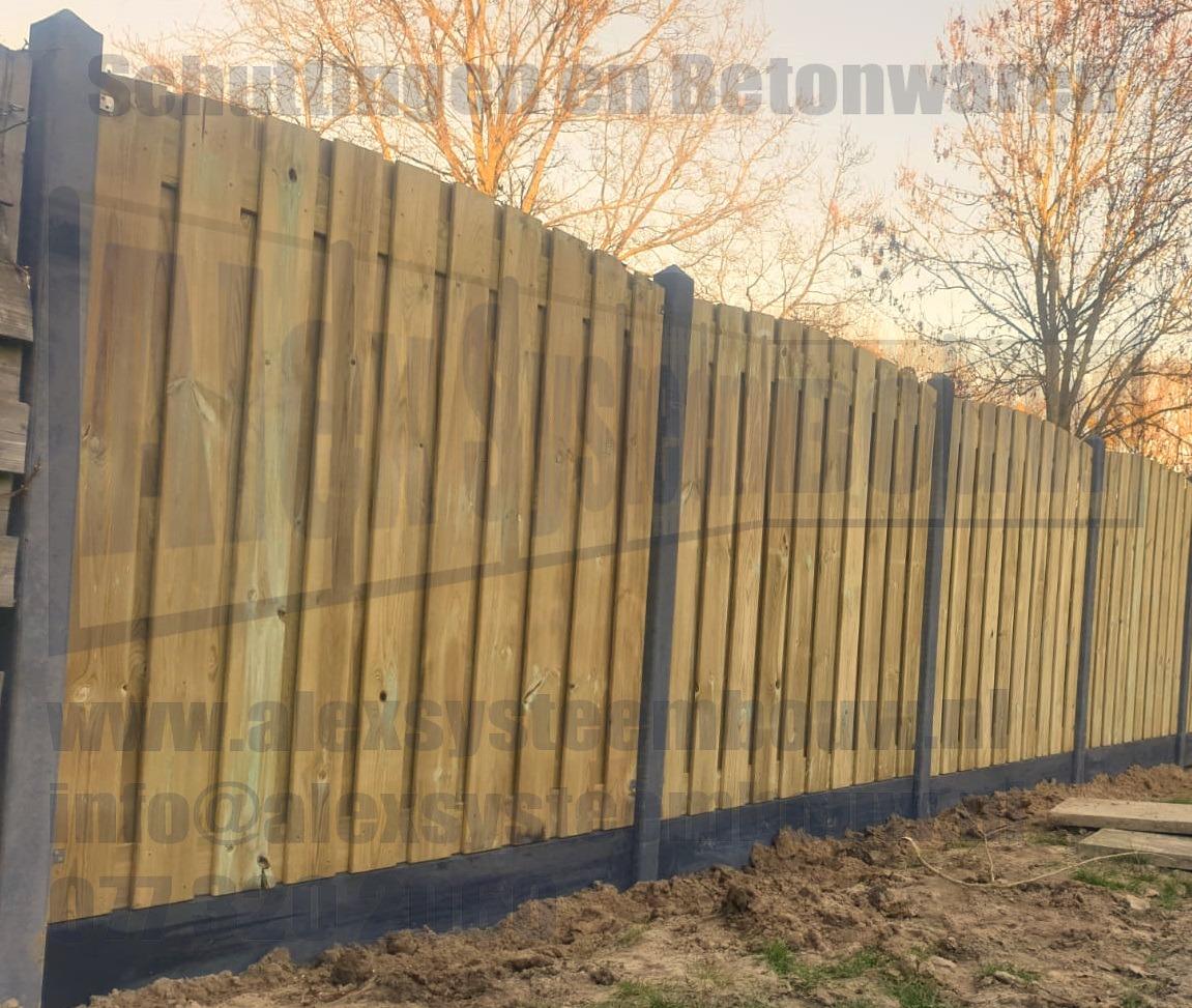21 planks grenen schutting met getoogde tuinschermen