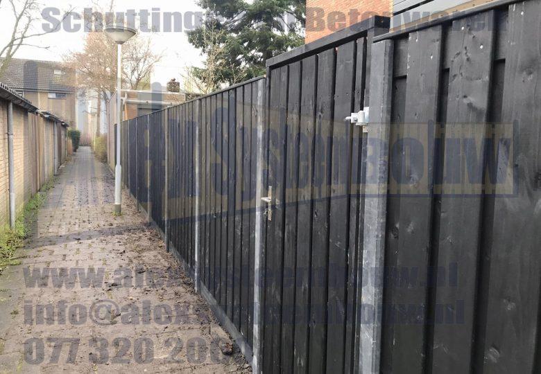 21 planks zwart gecoat met poort